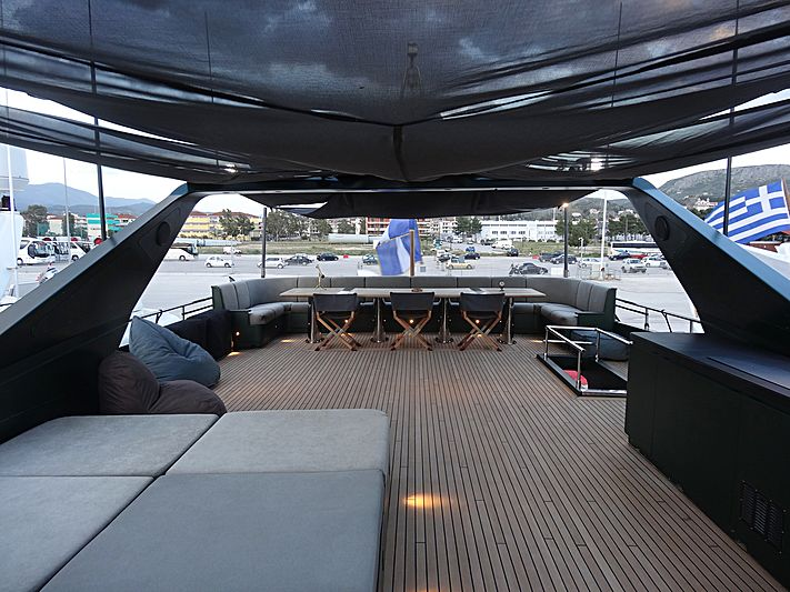 Can't Remember yacht deck