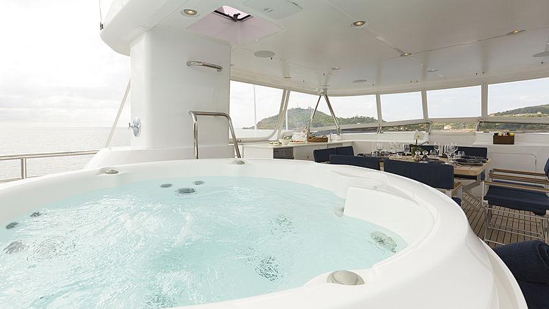 Aroha yacht jacuzzi