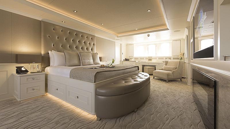 Minderella yacht owner's stateroom