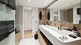 RH3 yacht bathroom
