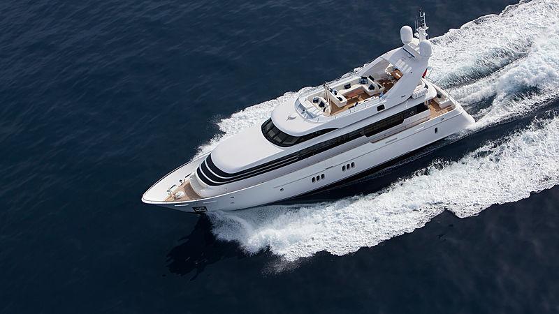La Mascarade yacht cruising