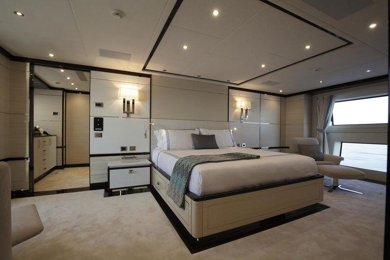 Skyler master's bedroom