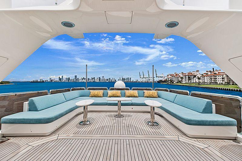 Rutli E yacht sundeck