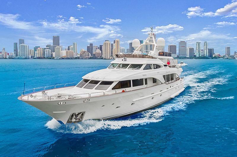 Rutli E yacht cruising
