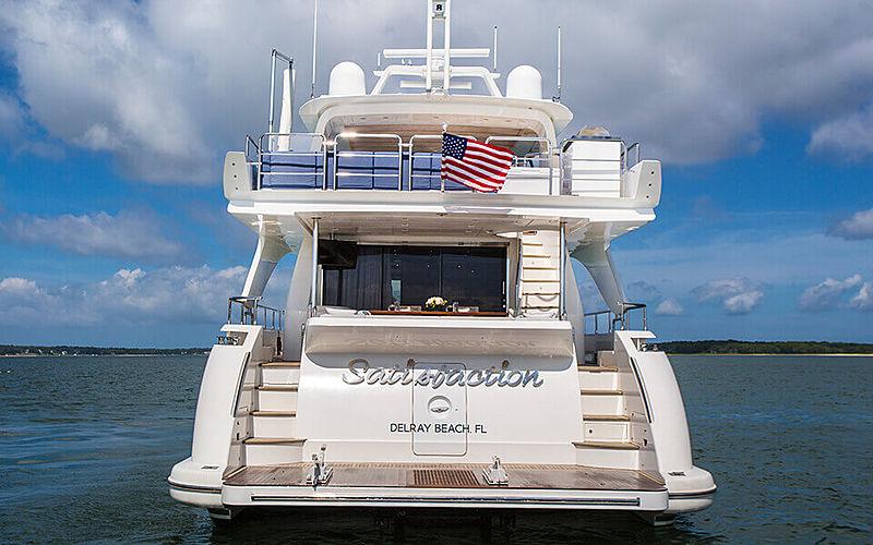 Satisfaction yacht stern