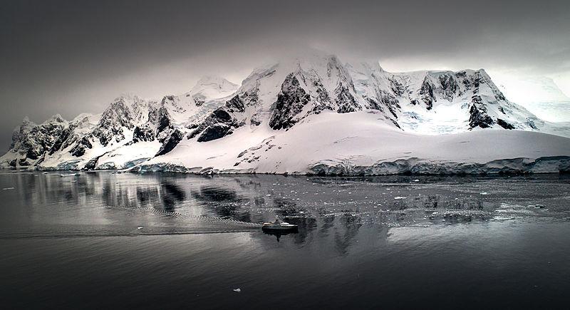 Cloudbreak yacht in Antarctica