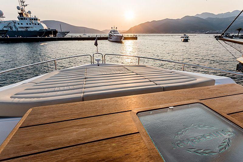 Stardust of Poole yacht forward deck
