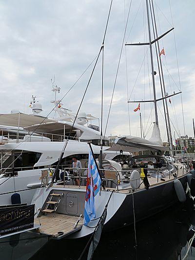 Attimo yacht in Barcelona