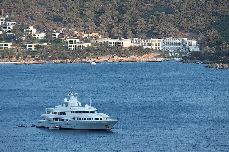 Samax yacht off Palmarina