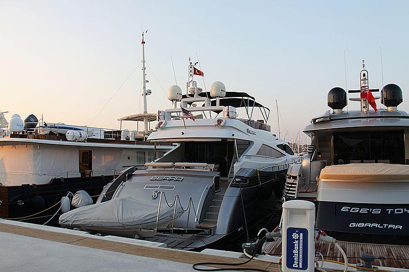 Serra yacht in Palmarina