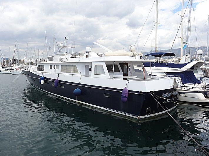 ALAYA yacht L眉rssen
