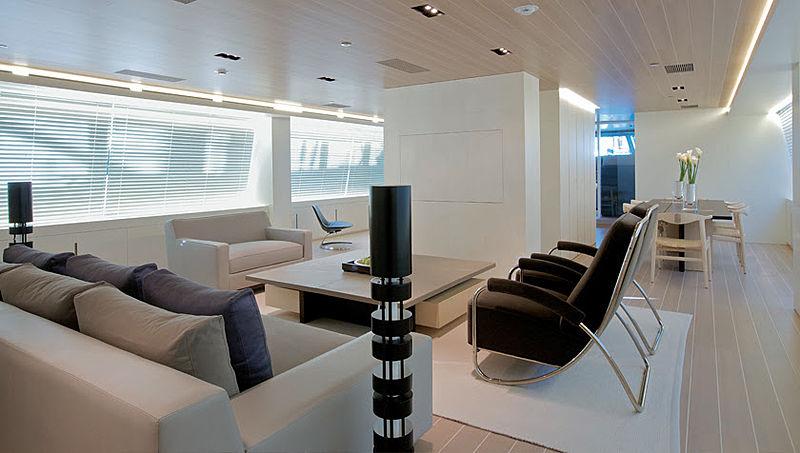 Baracuda Valetta yacht saloon