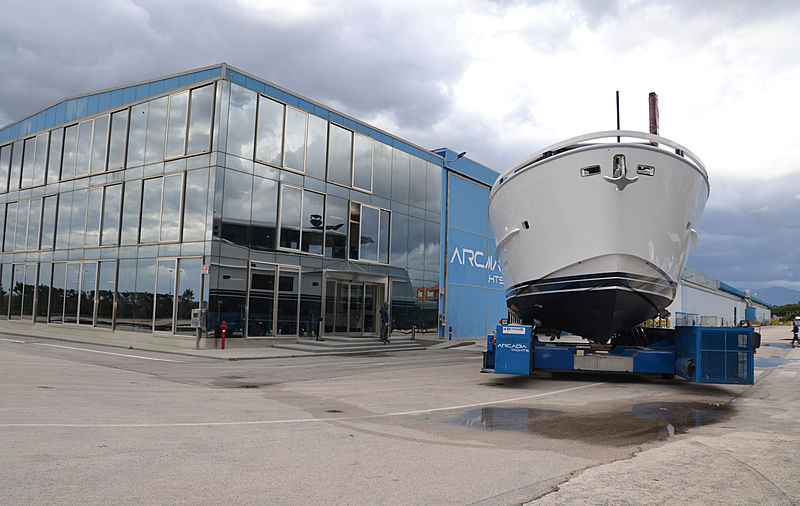 Arcadia 85/16 yacht launch in Torre Annunziata