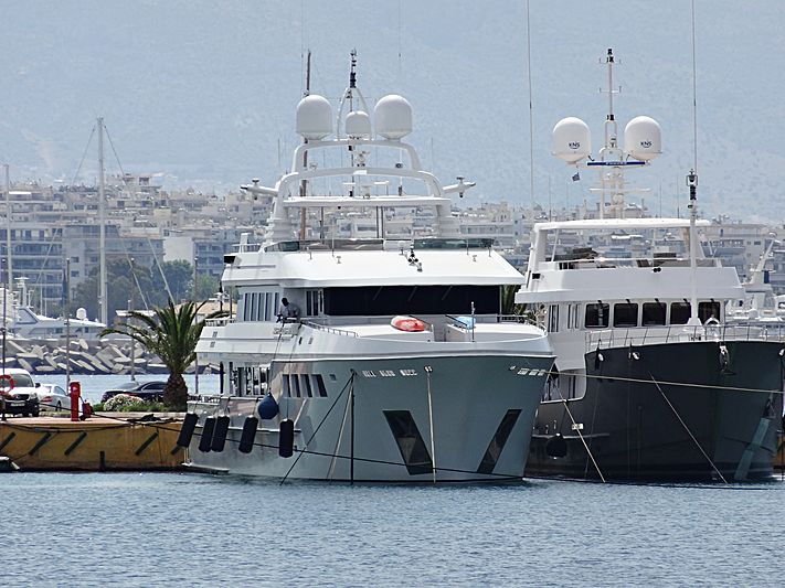 Happy Dolphin II yacht in Athens