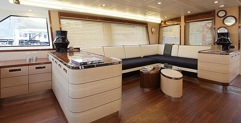 VAY yacht saloon