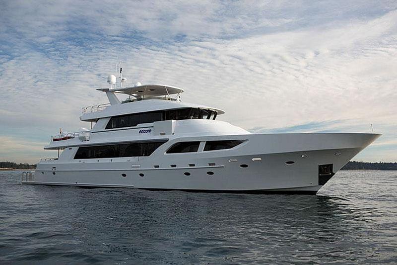 ENCORE yacht Crescent Custom