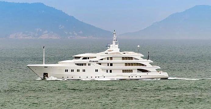 TOY HEAVEN yacht Brooke Marine