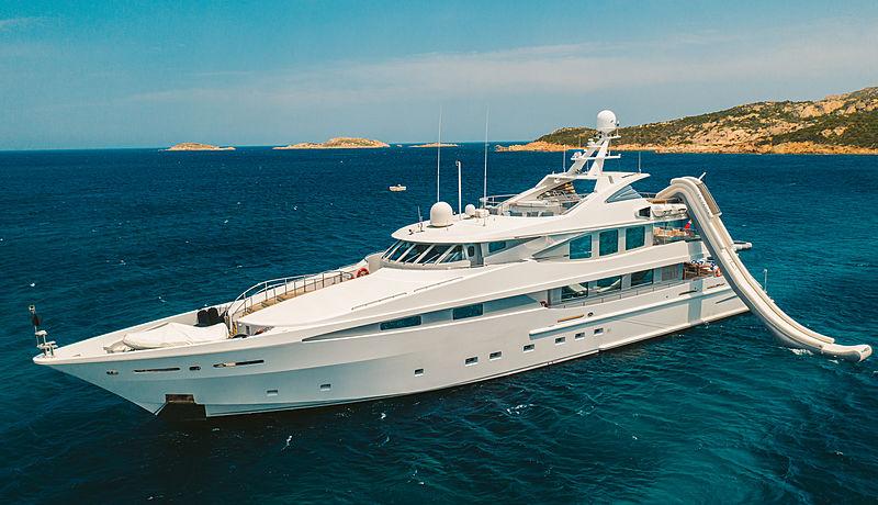 La Tania yacht anchored