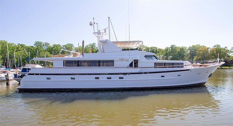LIQUIDITY yacht Broward