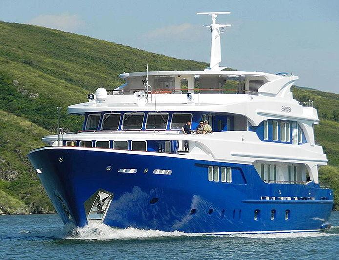 Bayterek yacht cruising