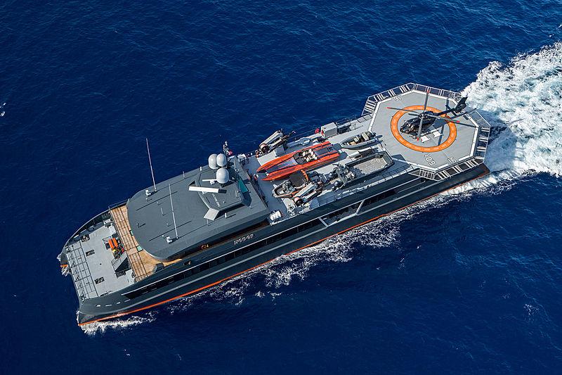 Hodor yacht cruising