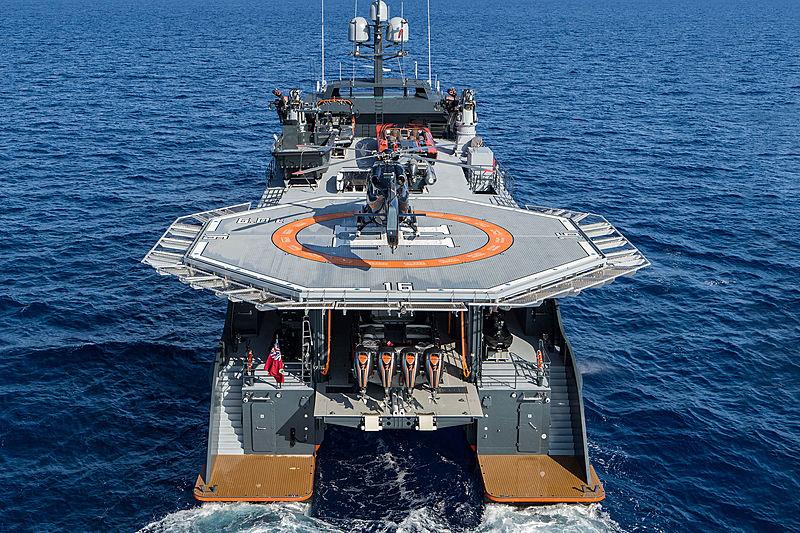 Hodor yacht stern