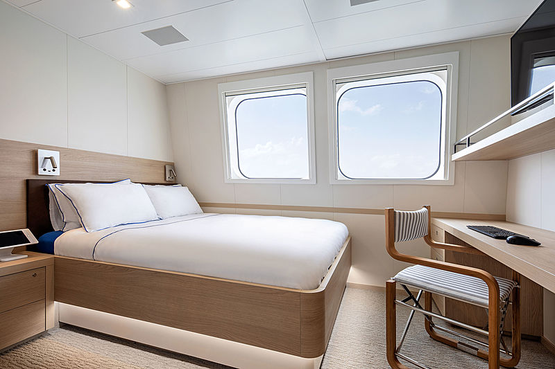 Hodor yacht stateroom