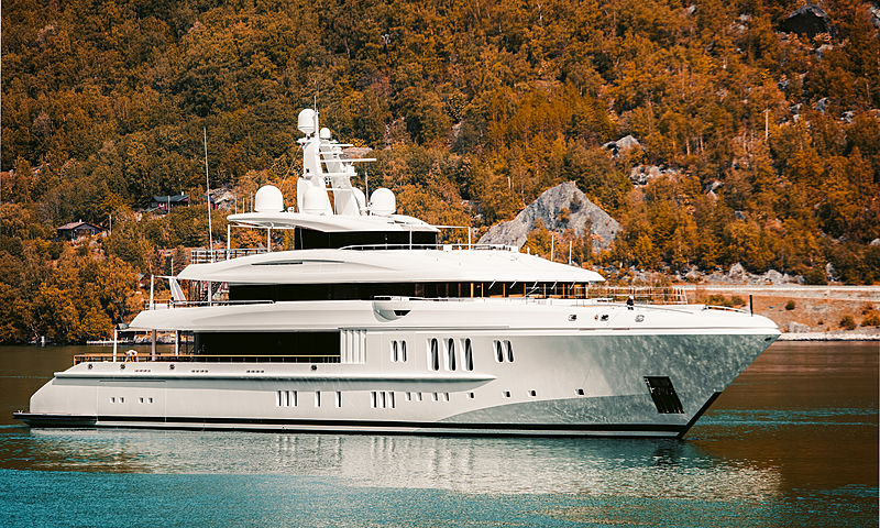 Dytan yacht by Nobiskrug in Gudvangen, Norway
