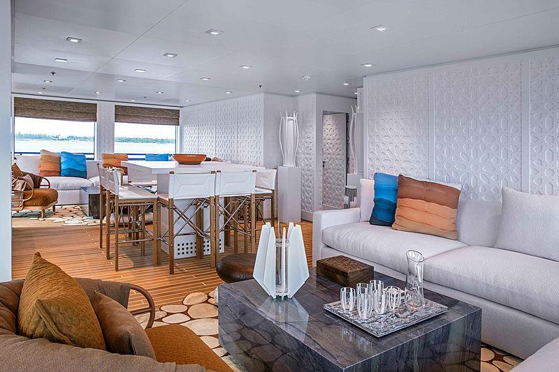 Hodor yacht interior - saloon