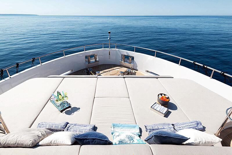 Serenitas yacht deck