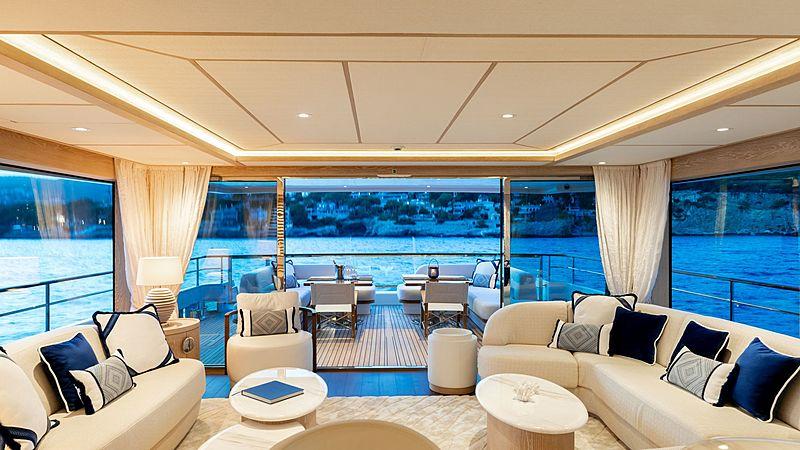 Calypso yacht saloon