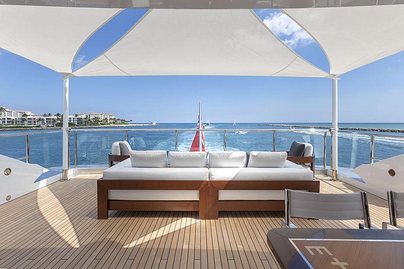 Elaldrea+ yacht sundeck