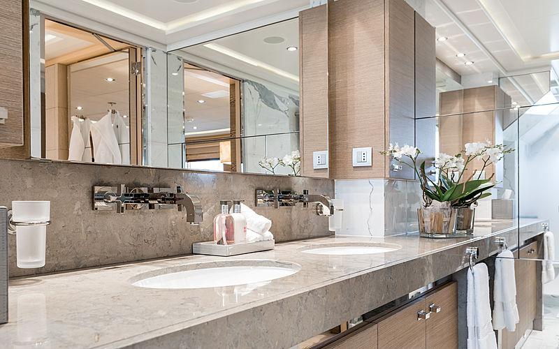 Naseem yacht bathroom