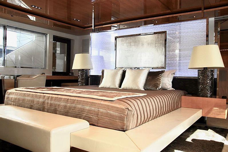 La Pellegrina yacht stateroom