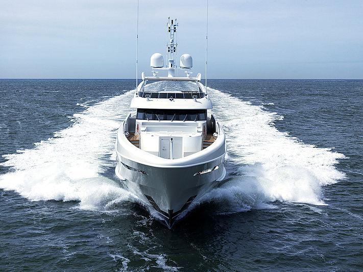 Masa yacht by Heesen cruising