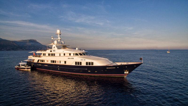 BLU 470 yacht Feadship