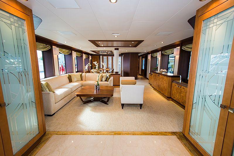 Dream Weaver yacht saloon