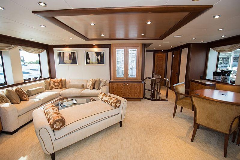 Dream Weaver yacht lounge