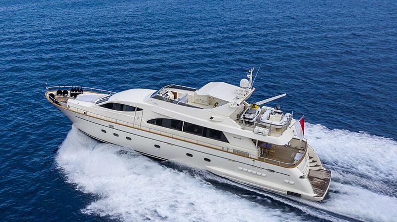 Ace1 yacht cruising