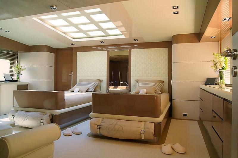 RL Noor yacht twin master cabin
