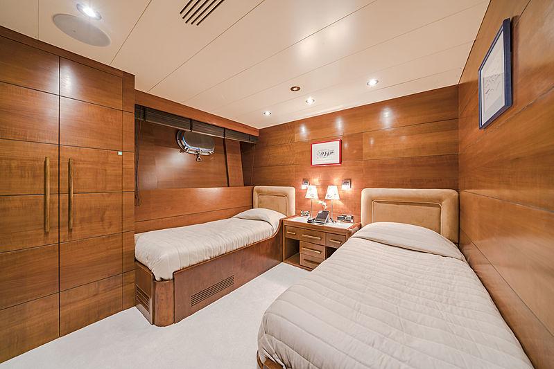 Fiorente yacht stateroom
