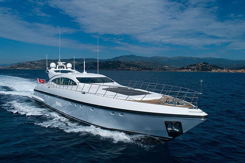 Veyron yacht cruising