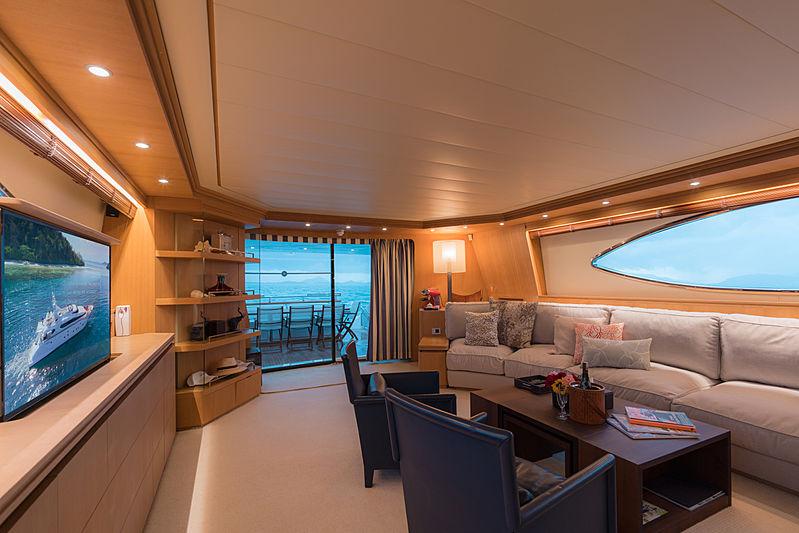 Aveline yacht saloon