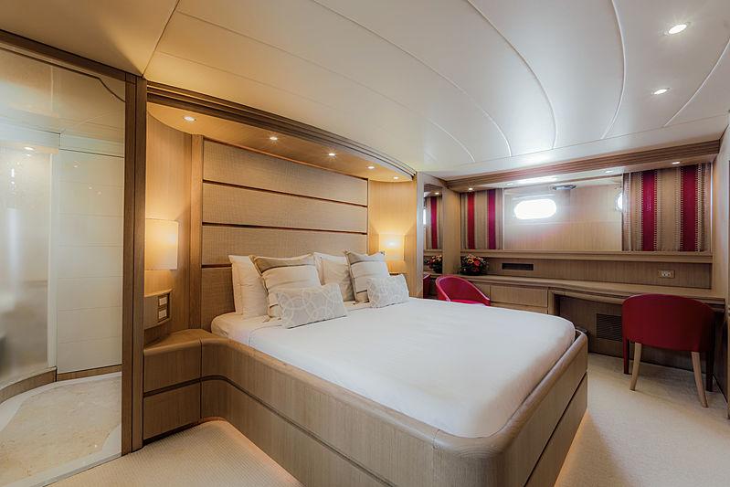 Aveline yacht master cabin