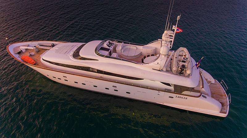 Aveline yacht