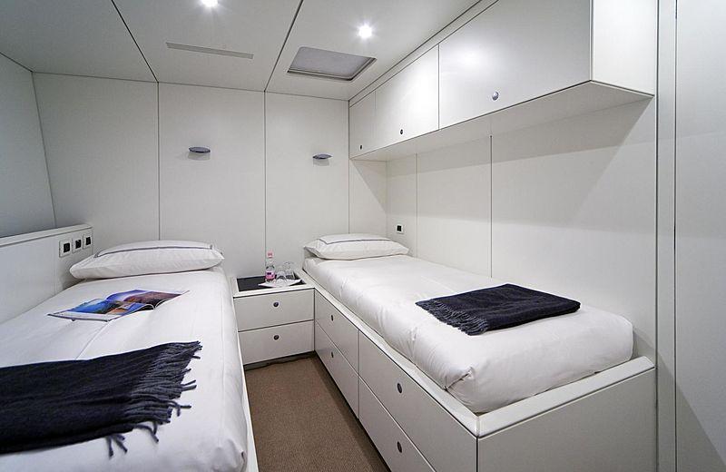 Dark Shadow yacht twin cabin