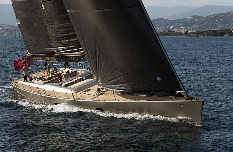 Dark Shadow yacht sailing