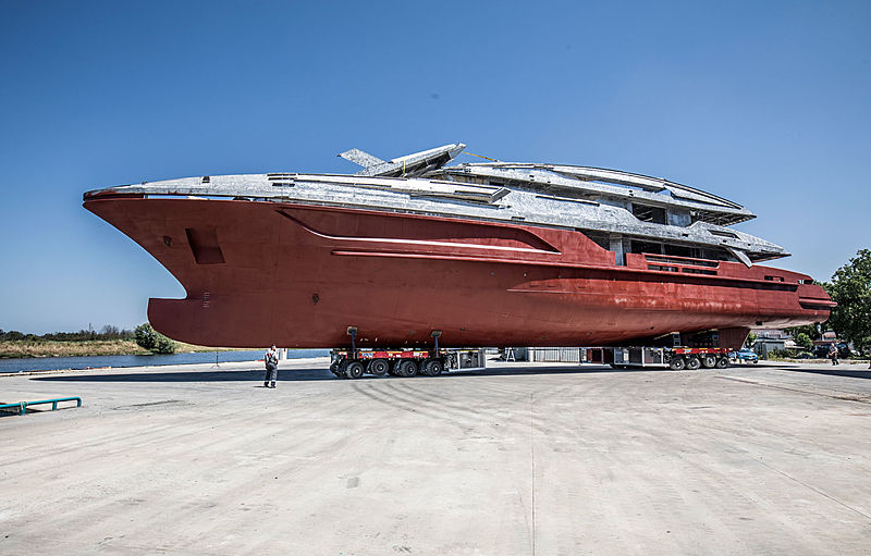 Baglietto 10233 yacht transport for outfitting