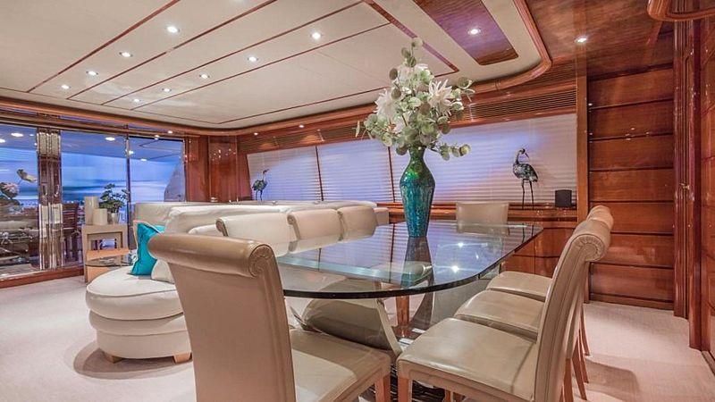 Paradise yacht saloon
