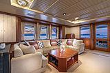 Scout II yacht main saloon